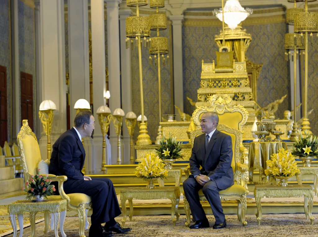 UN Secretary-General Ban Ki-moon (left) and His Majesty the King of Cambodia Norodom Sihamoni (right), at Royal Palace's Throne Hall, Cambodia. Photo by United Nations Photo, taken on October 27, 2010. Licensed under Attribution-NonCommercial-NoDerivs 2.0 Generic