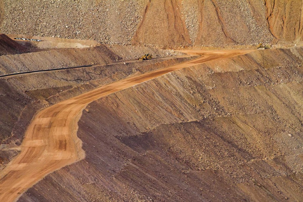 Blasted - A huge copper mine in Arizona.  Photograph: cobalt123, taken October 6 2014. License Attribution 2.0 Non-commercial/Generic