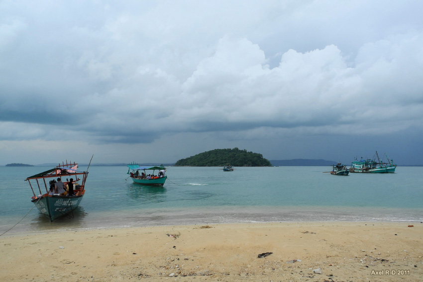 Sihanoukville Bay, Cambodia. Photo by Axel Drainville, uploaded on 9 May 2011. Licensed under CC BY-NC 2.0.